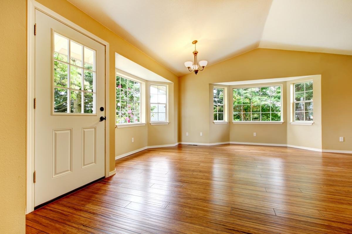 HomeworX Professionals | Engineered wood flooring and baseboard installation project. Honey oak engineered wood flooring. HomeworX Professionals can install your engineered wood flooring quickly and professionally.